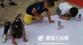 (头图)正在参加儿童绘画的孩子。.JPG
