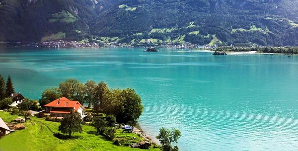 旅行是去意大利还是瑞士  天�的