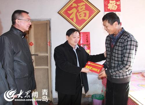 青岛开发区慈善总会副会长张东光,刘琦,宋森,殷兴华等,分别到西海岸
