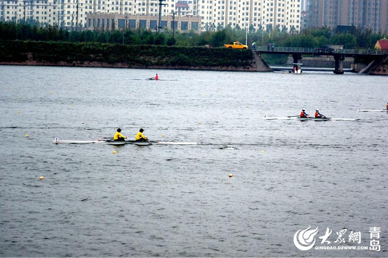 省运会赛艇项目在青岛西海岸新区开桨 200多名健儿风河口逐浪