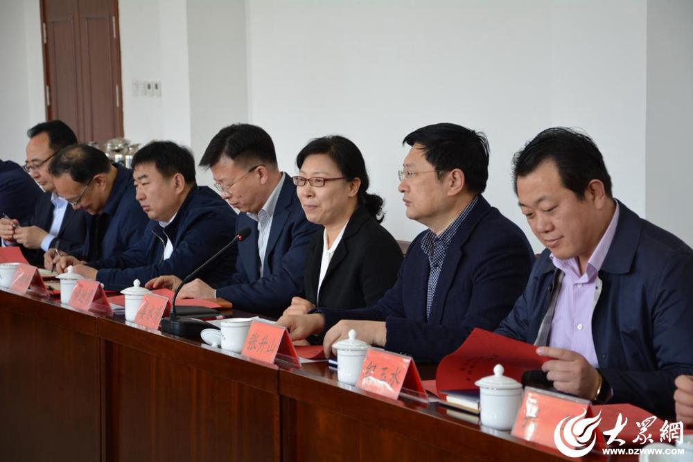 2莱西市委副书记、市长姜水清出席会议并致辞。.jpg