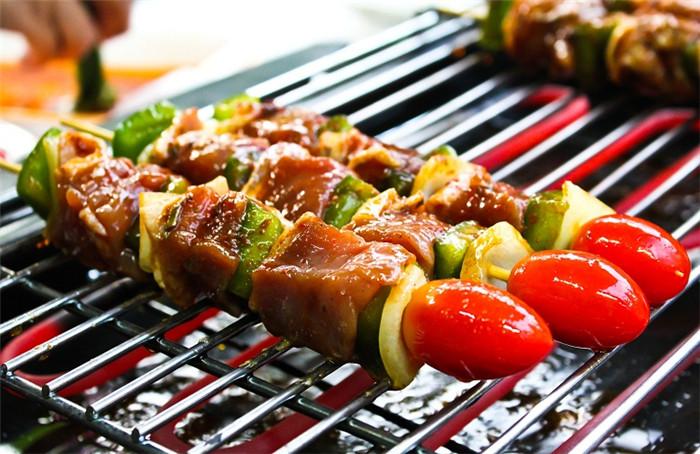 青岛嘉年华广场大酒店户外烧烤 为您开启美食探索新体验