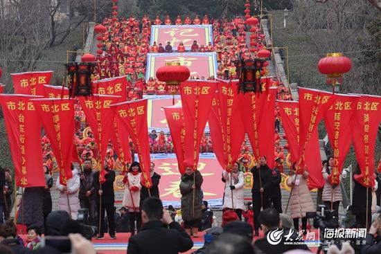 山东:2019青岛萝卜·元宵·糖球会正式开幕 百场社区活动零距离参会