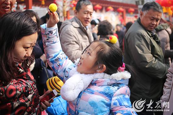 本届青岛萝卜·元宵·糖球会举办时间为2月5日