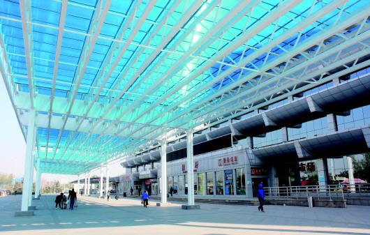 汽车北站增设风雨连廊 下月上旬有望投入使用