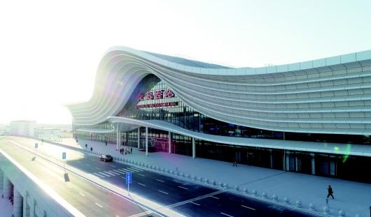 高铁枢纽引领经济社会发展 山东青岛西站周边崛起商贸新城